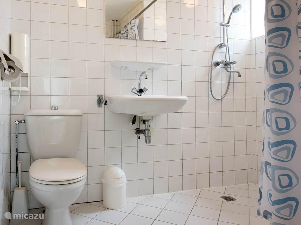 Badkamer aan de 1e etage voorzijde.