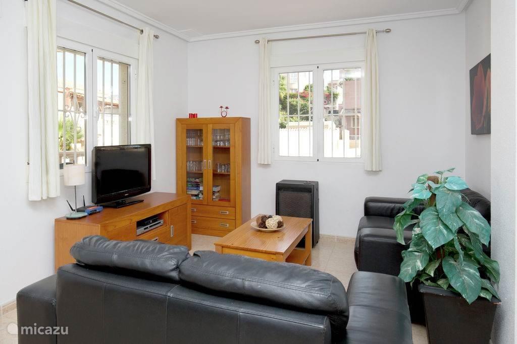 Relax televisie kijken in de luxe zitkamer