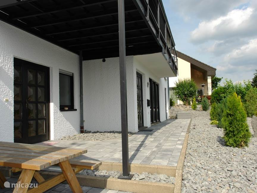 reihenhaus dauner ferienhaus am wald in weiersbach eifel. Black Bedroom Furniture Sets. Home Design Ideas