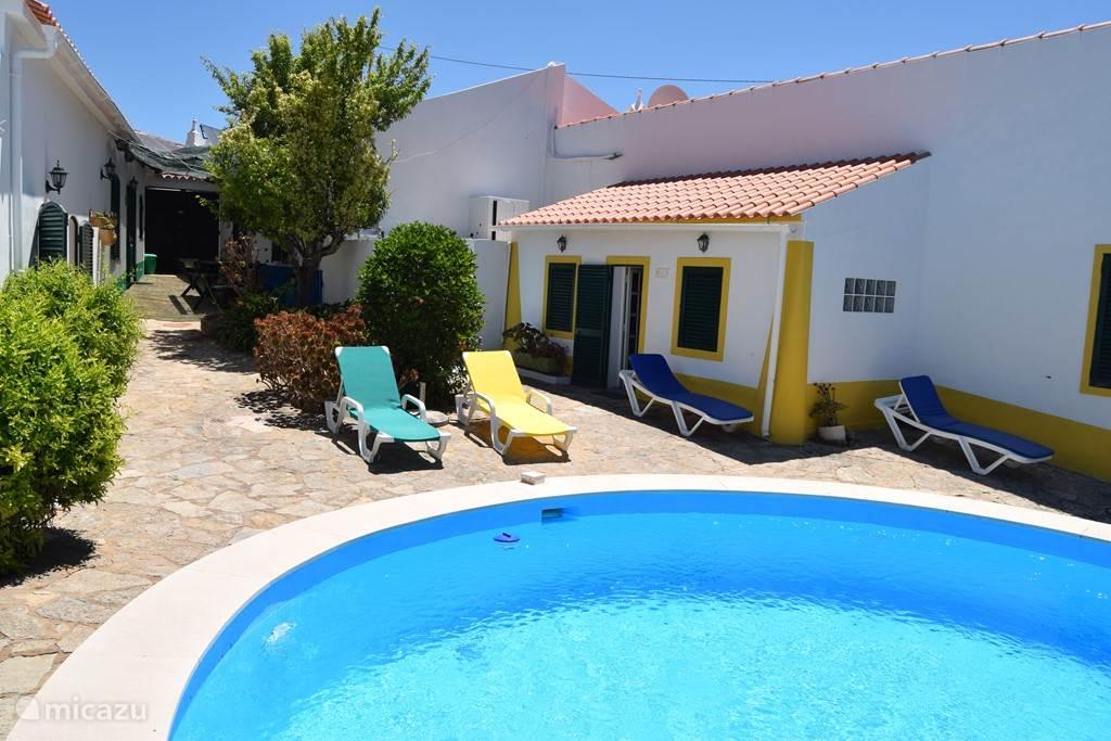 Zwembad en Casa Amarela