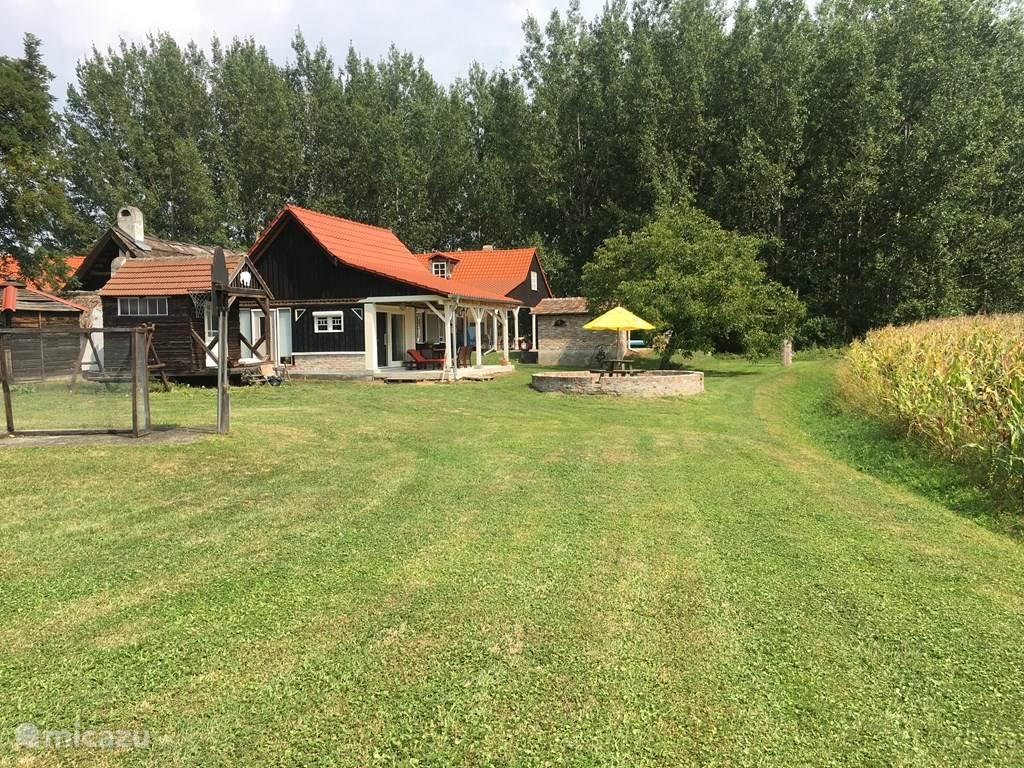 Vakantiehuis Slowakije, West-Slowakije, Dedina Mládeže Vakantiehuis Maly Vila, riante vakantiewoning