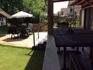 Mooi chalet met overdekte grote veranda en zwembad op de camping. Last minute korting van 10% t/m eind juni. Hoogseizoen slechts 595,- per week all-in