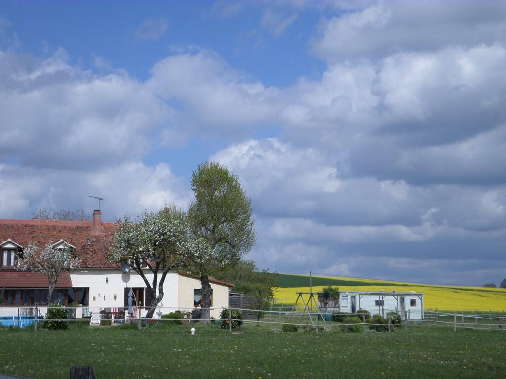 Houdt u van rust en ruimte dan nodigen wij u uit om de mooie omgeving van d'Allier te ontdekken en te verblijven op ons mooie plekje. Vanaf 14 april.