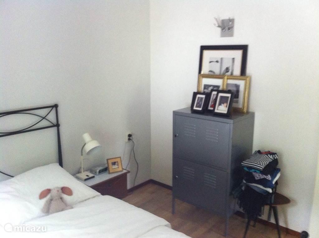 Slaapkamer met dubbelbed 2-persoons