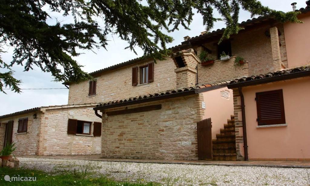 Vakantiehuis Italië, Marche, Acqualagna vakantiehuis Agriturismo CamaggioNuovo Apt Cagli