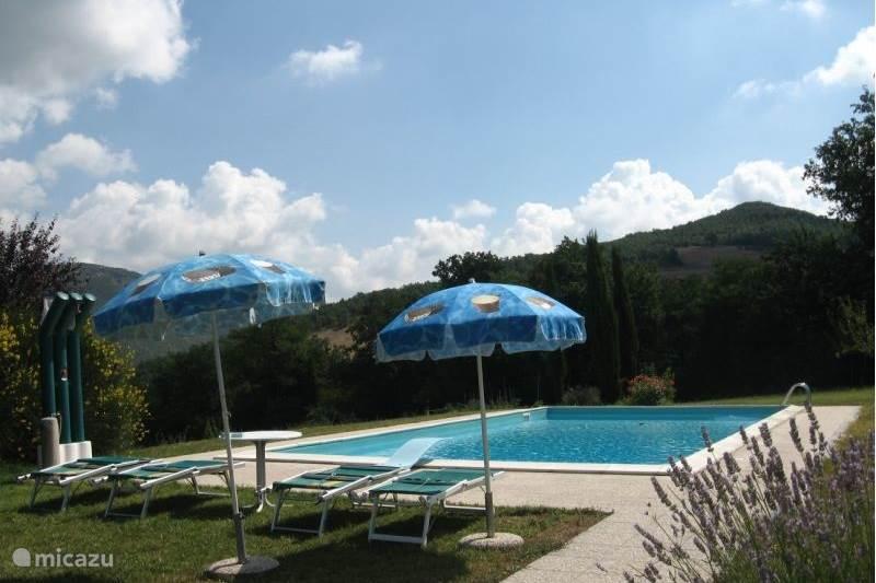 Vakantiehuis Italië, Marche, Acqualagna Vakantiehuis Cagli Apt Vakantiehuis CAMAGGIONUOVO