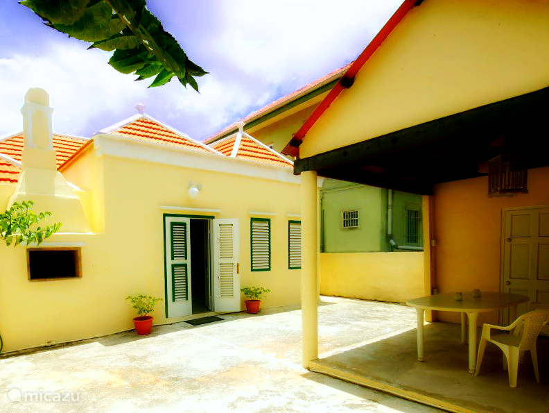 Vakantiehuis Curacao, Curacao-Midden, Willemstad Pension / Guesthouse Poppy Hostel Curacao