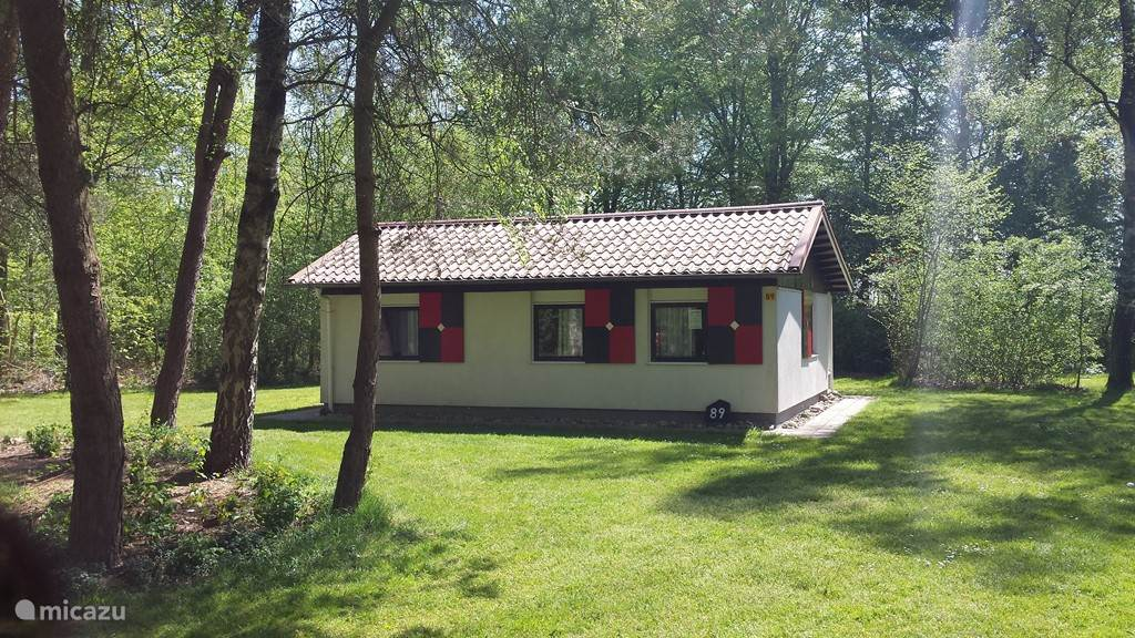 Vooraanzicht bungalow