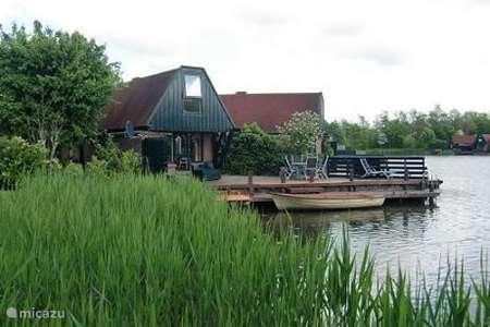 Vakantiehuis Nederland, Noord-Holland, Nieuwe Niedorp – bungalow Waterbungalow 62 met roeiboot