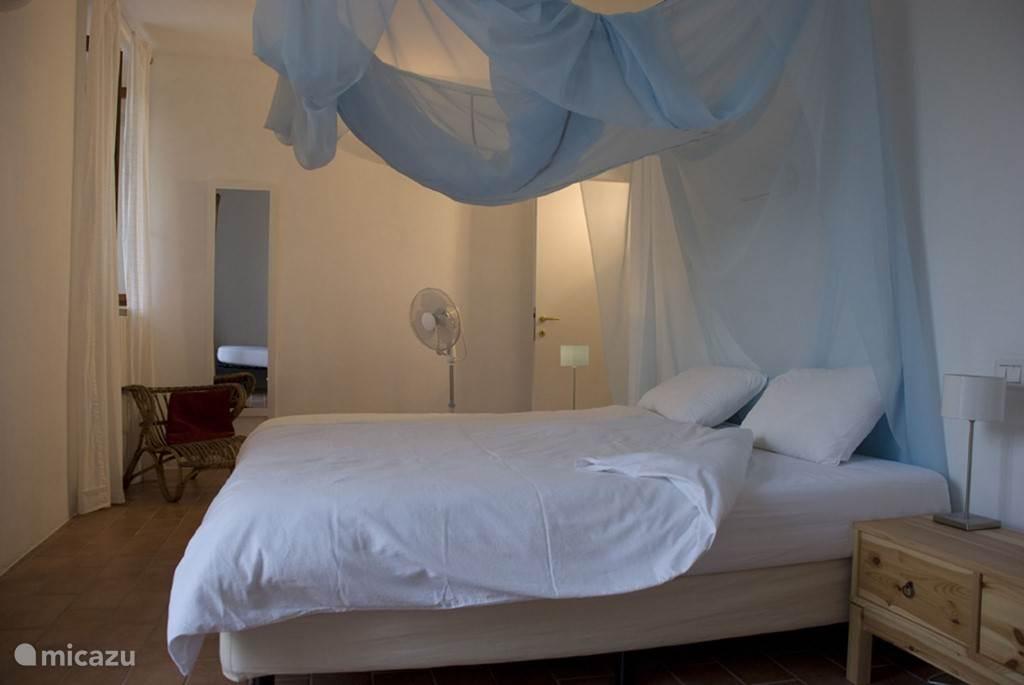 Slaapkamer in groot appartement