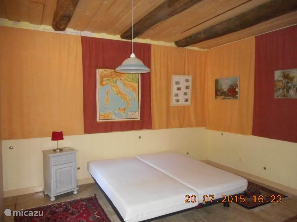 Slaapkamer beneden woning.
