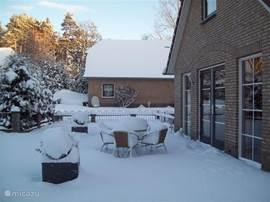 terras in de sneeuw Bungalow 49