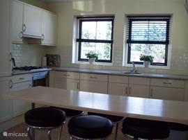 keuken en bar bungalow 56