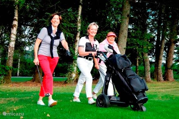 Een leuk balletje te slaan op de golfbaan van Winterberg