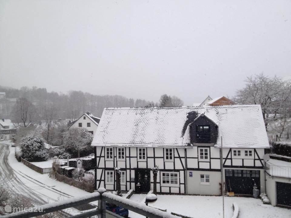 Balkon uitzicht in de winter