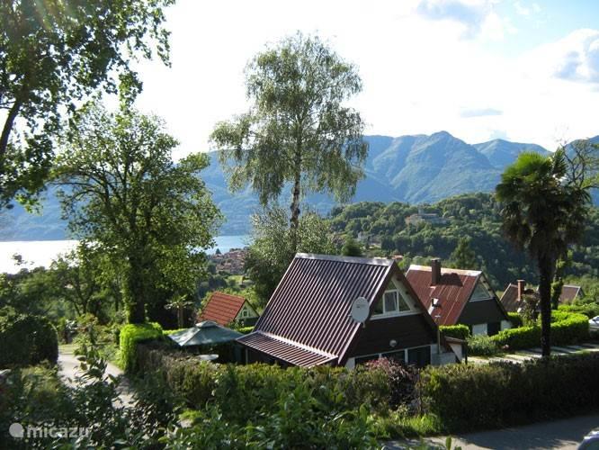 Vacation rental Italy, Italian Lakes, Brezzo di Bedero - bungalow Villagio Inglese D09