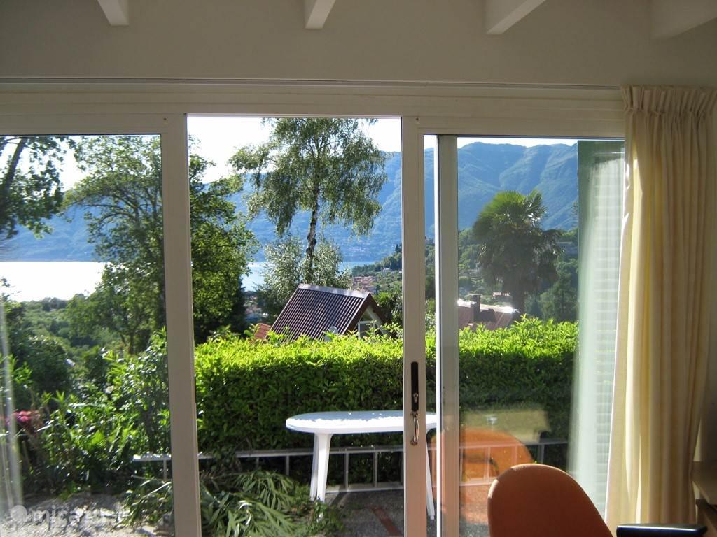 Uitzicht woonkamer voorkant