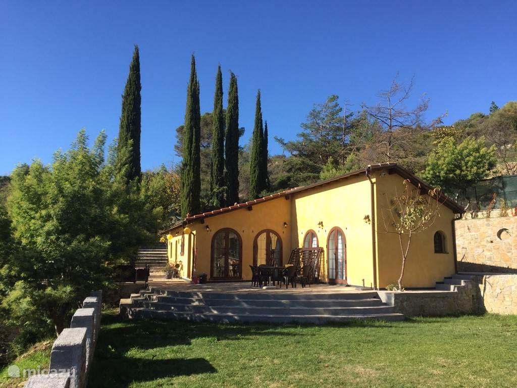 Vakantiehuis Italië, Ligurië, Dolceacqua vakantiehuis Villa Tramontina