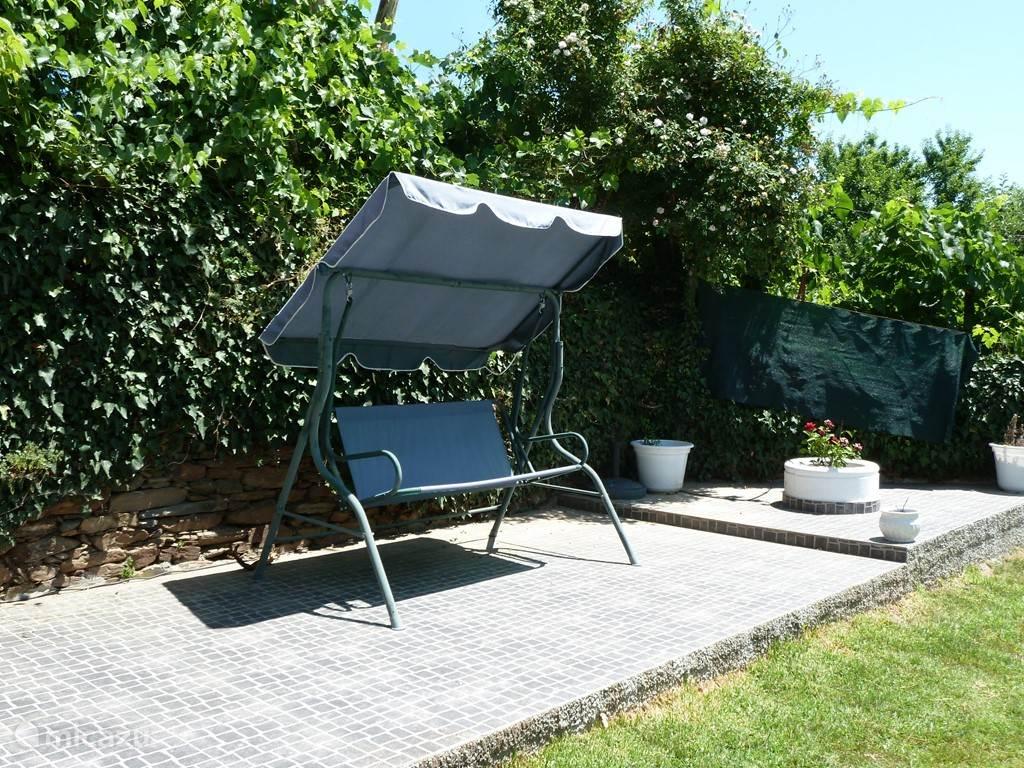 Het zonneterras in de tuin,