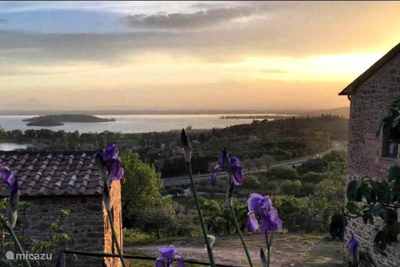 Vakantiehuis Italië, Umbrië, Passignano Trasimeno Vakantiehuis Casa Cappuccini, Trasimeno Lake
