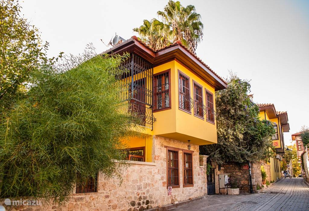 Vacation rental Turkey – holiday house Kaleici Villa for perfect city break