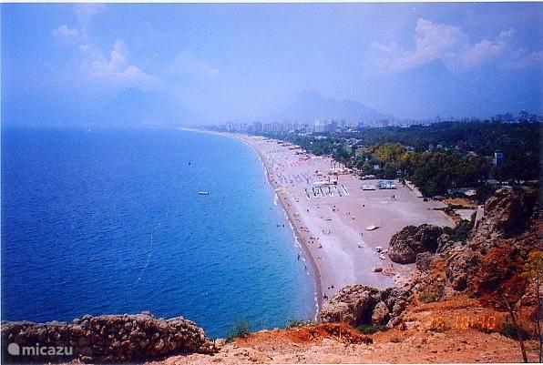 Beachpark & Konyaalti strand op ca. 30 min. met het nostalgische trammetje...