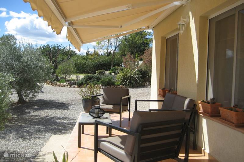 Vacation rental Spain, Valencia, Pedralba Bungalow House of mother