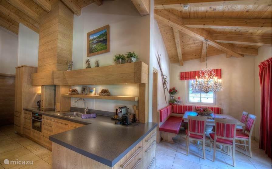 Kitchen and dining area Kaprun Mountain Resort by Kaprun Rentals TopC27