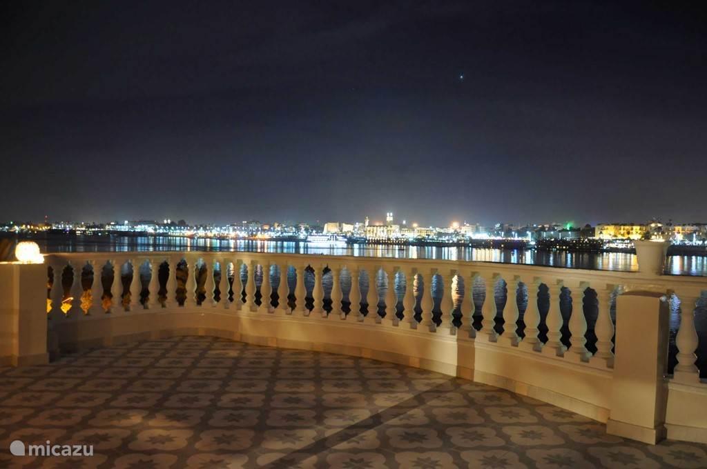 uitzicht op de Nijl, Luxor stad en Luxor tempel