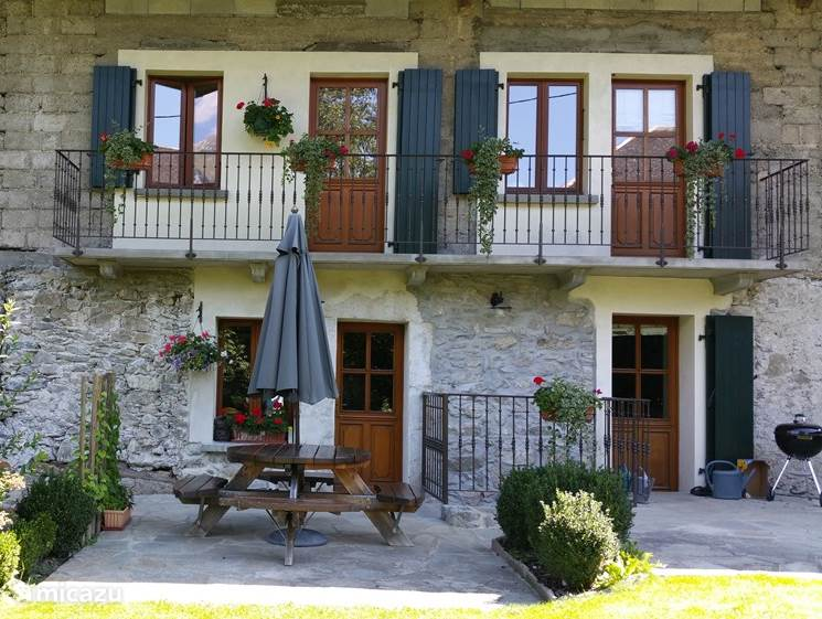 Long term rental, France, Rhône-Alpes, Talloires, apartment Jardin de L'Europe