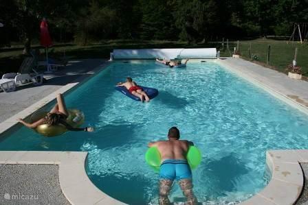 Pool 13.25 x 6.00 mtr.