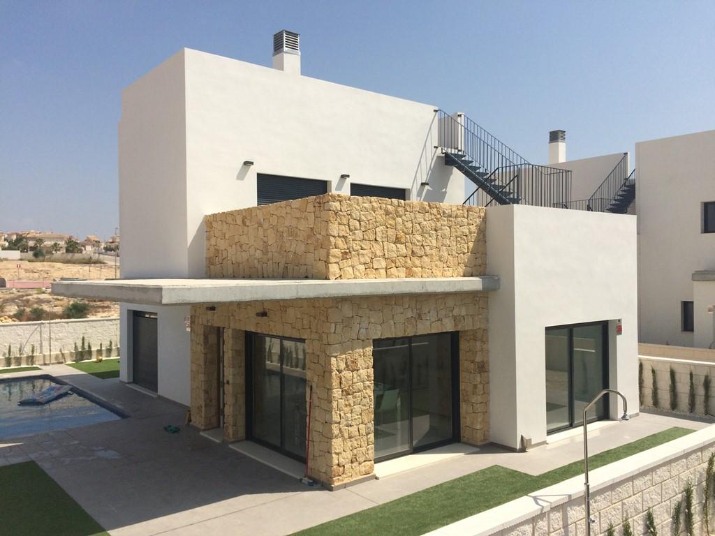 Er toch nog even tussenuit in een zeer luxe villa met groot privé zwembad aan de Costa Blanca? Boek nu met 20% korting en geniet van de zon en luxe !!