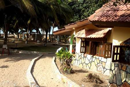 Vakantiehuis Ghana – vakantiehuis Ayikoo Beach House