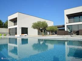 Villa super modern huis in ard che in beaulieu ard che frankrijk huren - Foto modern huis ...