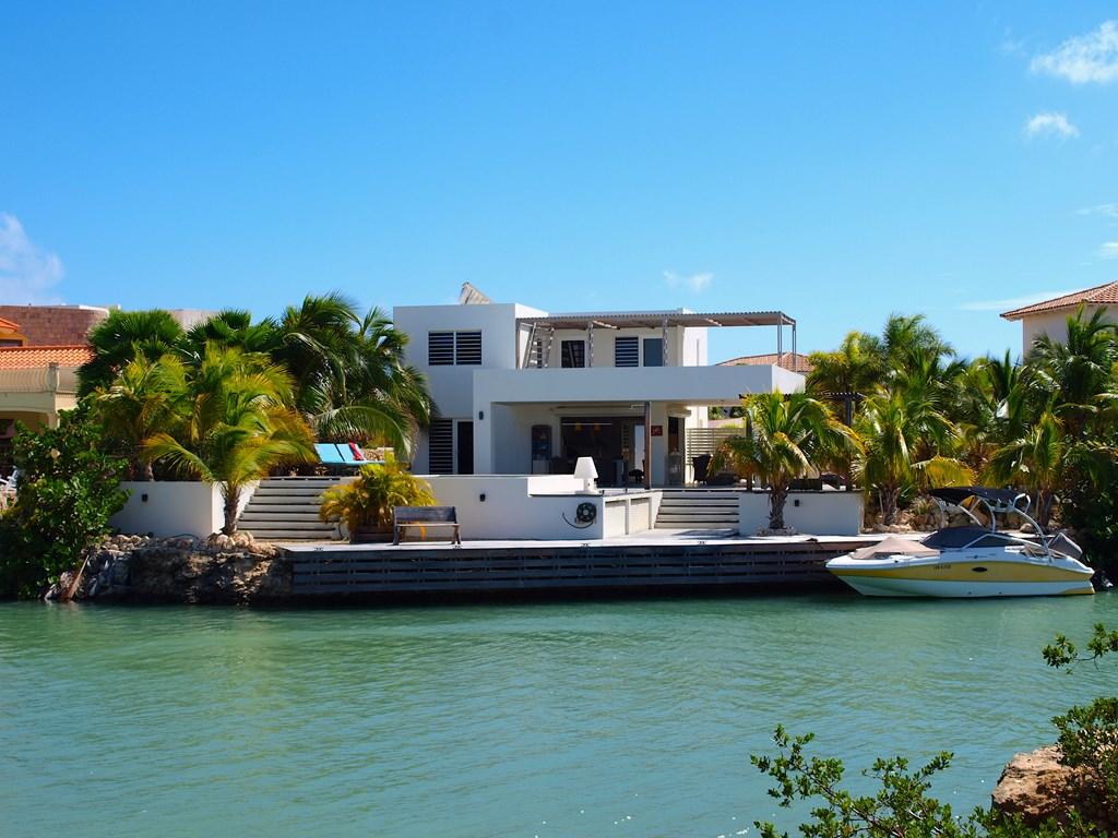 Villa Tortuga Bonaire. Periode Juni en Juli 2018, tot 15% last-minute korting. Vraag snel uw offerte aan!