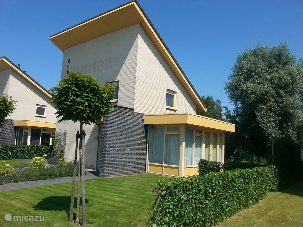 Fijn vakantiehuis midden in het Friese merengebied.