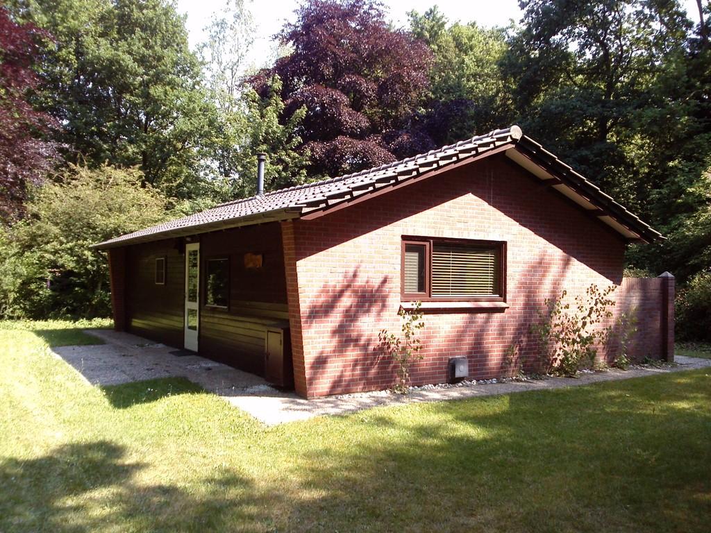 Met 10% korting er even lekker er tussenuit naar rust, ruimte en privacy in een prachtig bosrijke omgeving.  Welkom in onze bungalow Karavanserai!
