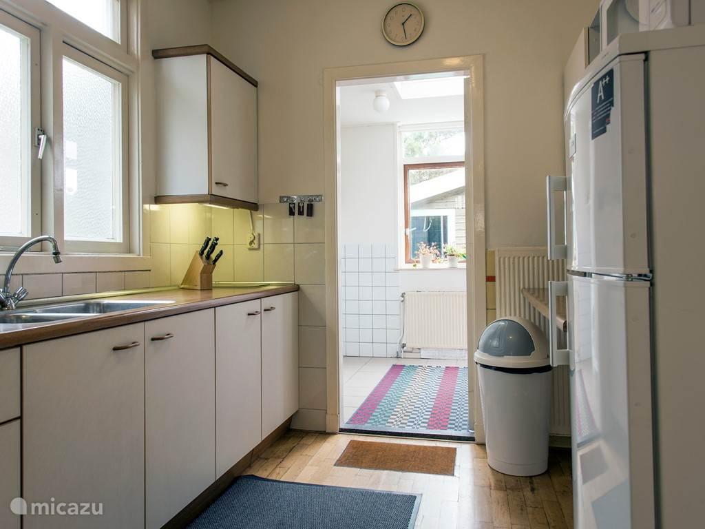 Keuken en bijkeuken.