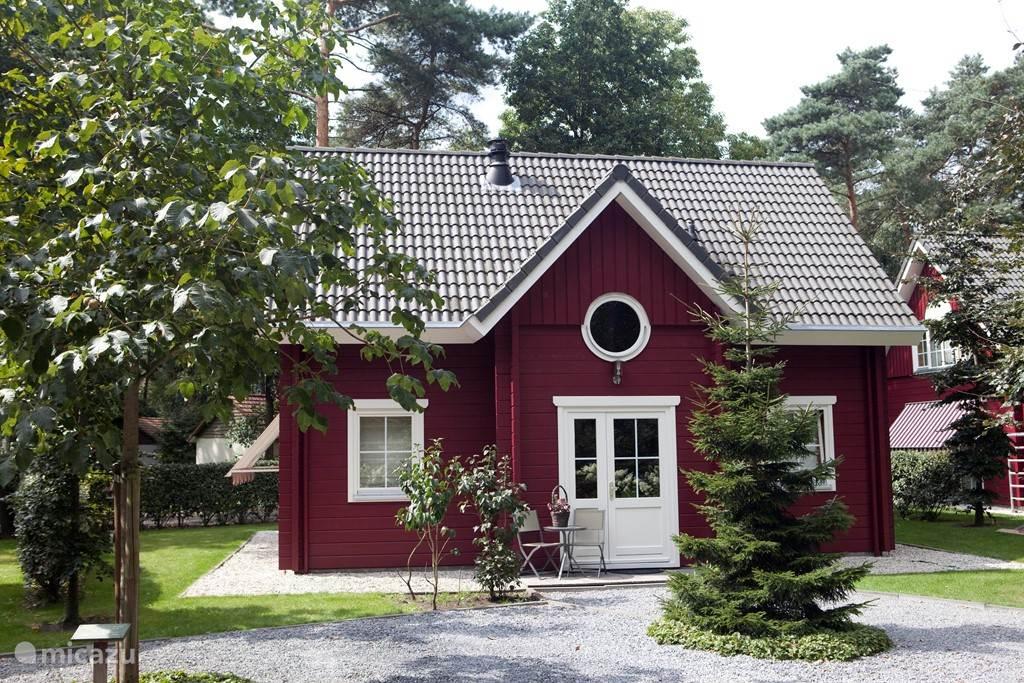 Vakantiehuis Nederland, Noord-Brabant, Oisterwijk bungalow Fins Boshuis Vakantiepark de Reebok