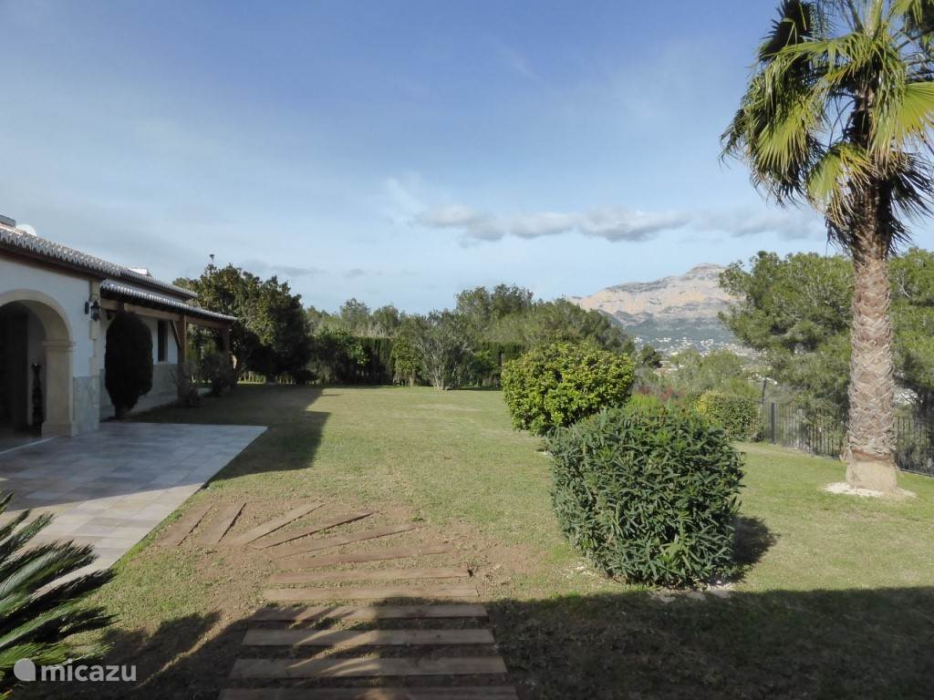 Tuinzicht en Montgo-berg