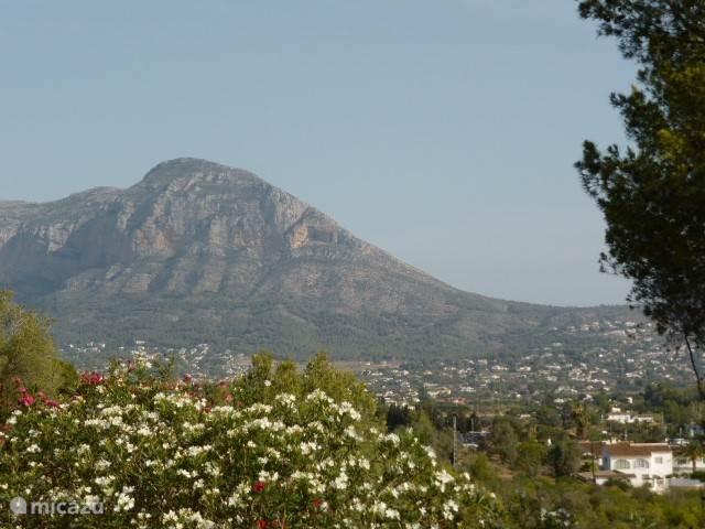De Montgo-berg.