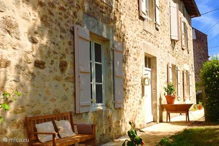 Vacation rental France, Charente, Mazières holiday house Magnolia Vakantiehuis