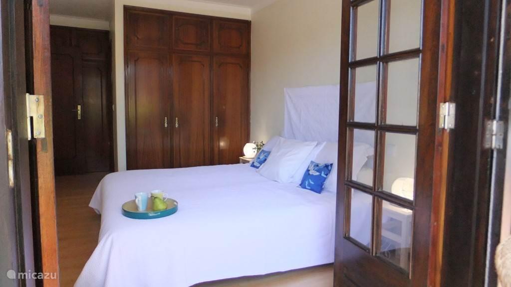 slaapkamer op zuid met 2 bedden