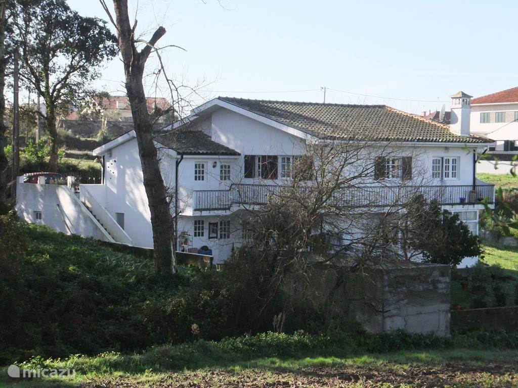 grote villa met 3 appartementen