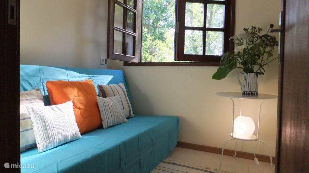 kleinste slaapkamer op Oost met sofá bed