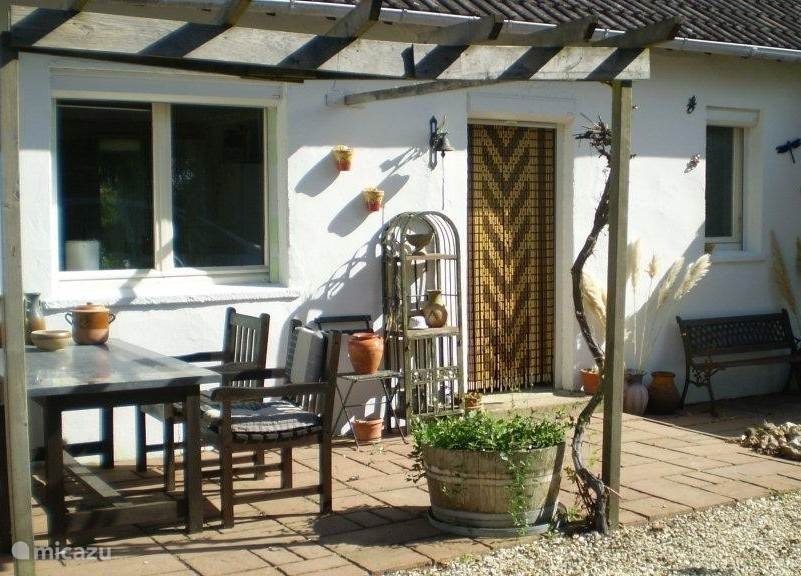 Vacation rental France, Burgundy, Saint Martin des Champs holiday house Les Salzards