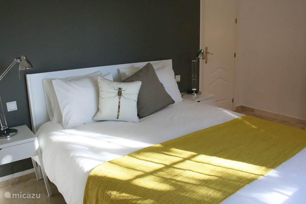 Zonnige ruime kamer met idyllisch uitzicht
