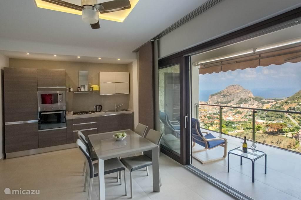 keuken en veranda