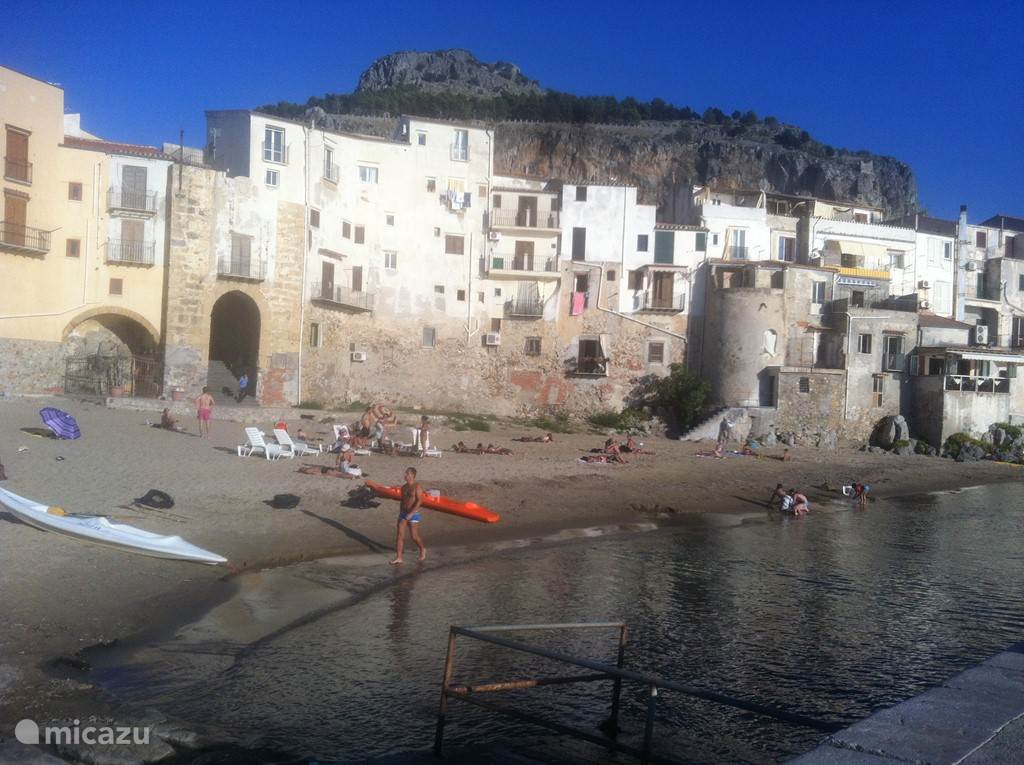 oude haven in Cefalù
