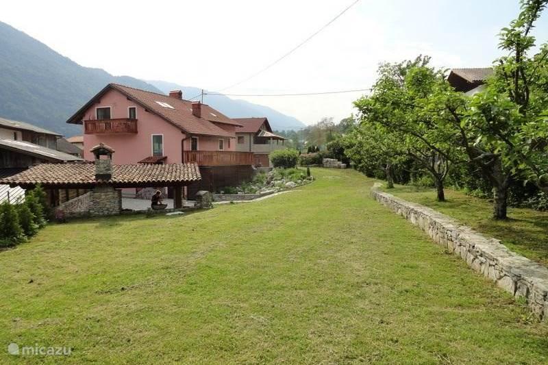 Vakantiehuis Slovenië, Julische Alpen, Kobarid Appartement Vakantiehuis Maharac, app. Kolovrat